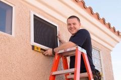 Smiling Guarda Security Screen Installer